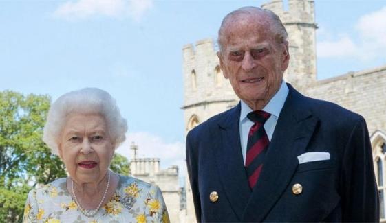 ملکہ برطانیہ کے شوہر کی کامیاب ہارٹ سرجری، مزید چند روز اسپتال میں رہیں گے