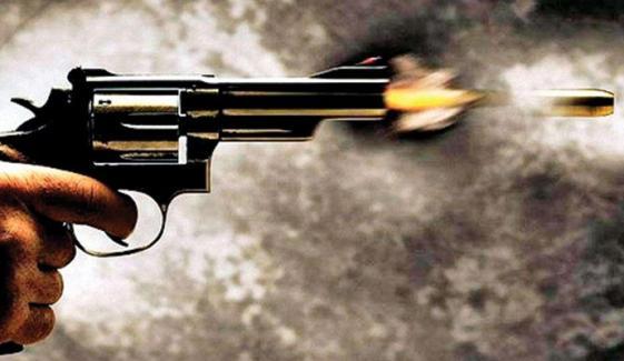 کراچی: اسکیم 33 میں فائرنگ، رینجرز سب انسپکٹر زخمی