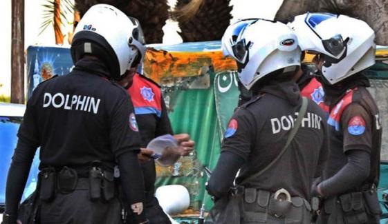 فیصل آباد: پولیس اور ڈاکوؤں میں شدید فائرنگ کا تبادلہ