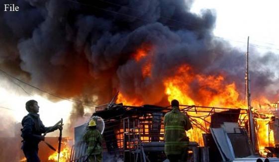 کراچی: سپر ہائی وے پر گودام میں 2 مرتبہ آتشزدگی