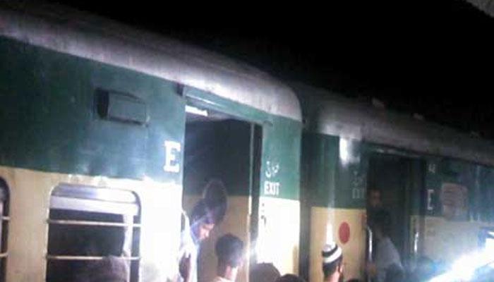 روہڑی کے قریب کراچی ایکسپریس کو حادثہ