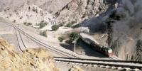صدی پرانا پشاور طورخم سفاری ریلوے ٹریک تباہ حالی کا شکار