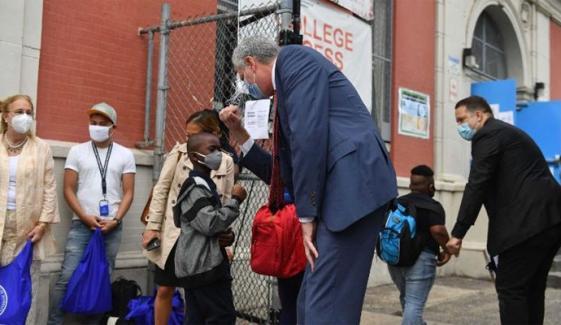 نیویارک میں 22 مارچ سے اسکول کھولنے کا فیصلہ