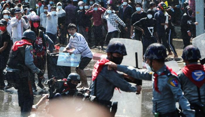 میانمار: مظاہرین پر سیکیورٹی فورسز کی فائرنگ، 6 افراد ہلاک