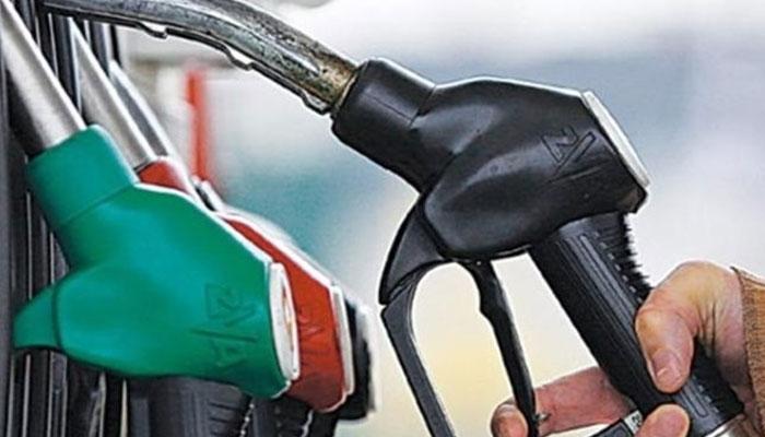 پیٹرولیم مصنوعات کی قیمتوں میں بھاری اضافہ متوقع