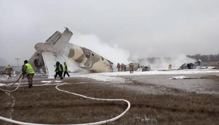 قازقستان کا فوجی طیارہ حادثے کا شکار، 4 ہلاک
