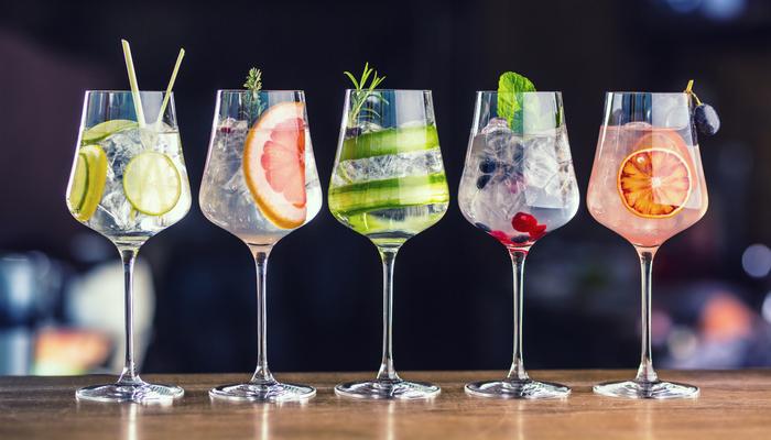 موسم گرما میں فرحت بخش مشروبات بنائیں گھر میں