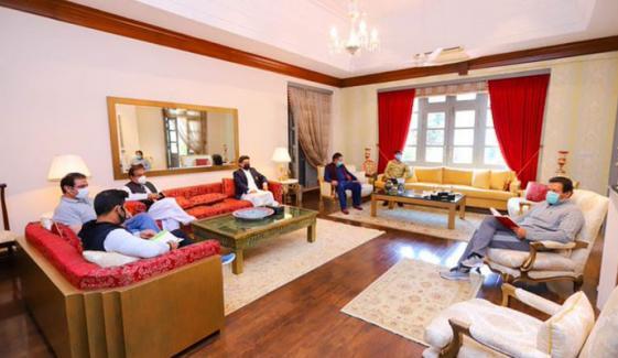 کورونا میں اجلاس ،سوشل میڈیا پر وزیراعظم کو تنقید کا سامنا