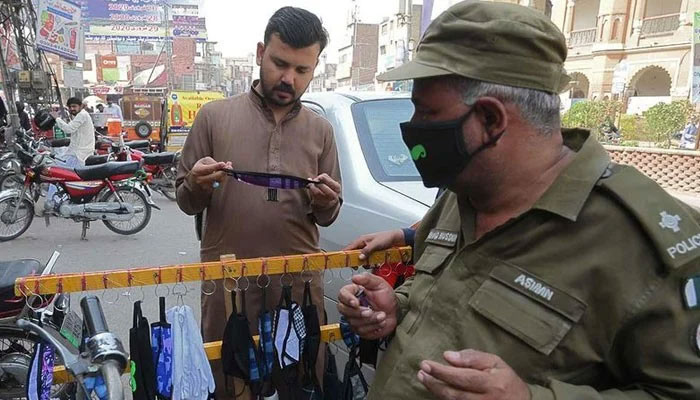 لاہور: کورونا ایس او پی کی خلاف ورزی پر 83 مقدمات درج