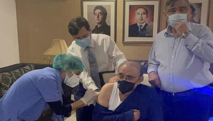 والد کو کورونا ویکسین کی پہلی ڈوز لگادی گئی، آصفہ بھٹو کا ٹوئٹر پیغام