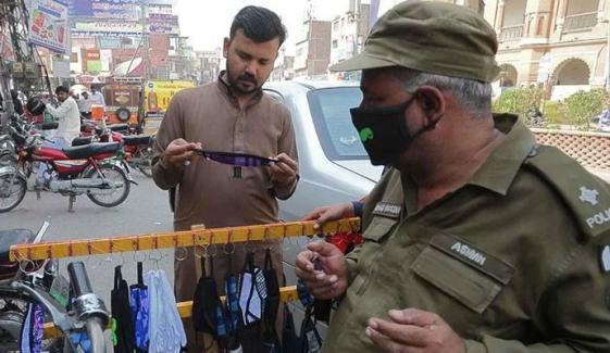 لاہور: کورونا ایس او پیز کی خلاف ورزی پر 83 مقدمات درج
