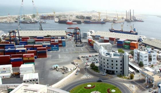 پاکستانی انجینیئرز کو دبئی کی بندرگاہ پر پھنسے کئی ماہ بیت گئے