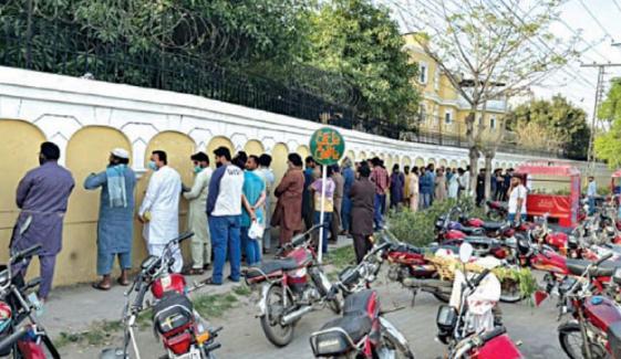 فیصل آباد: ماسک نہ پہننے پر 120 افراد کے خلاف مقدمہ درج
