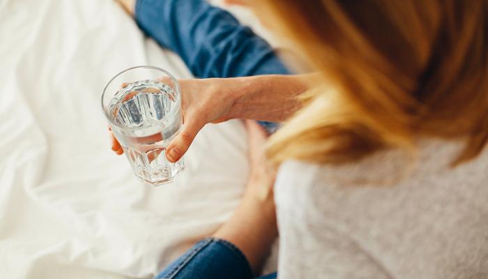 آدھی رات کو پیا س لگنے کی وجوہات اور حل کیا ہے ؟