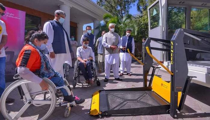 خیبر پختون خوا: خصوصی افراد کیلئے بسوں کا افتتاح