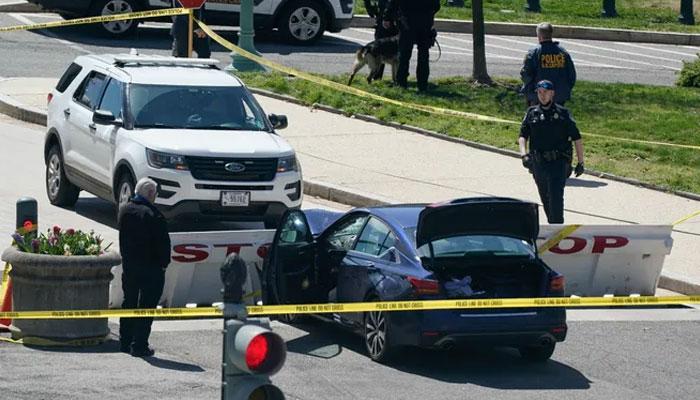 واشنگٹن : مشتبہ شخص نے پولیس پر گاڑی چڑھا دی، ایک اہلکار ہلاک، دوسرا زخمی