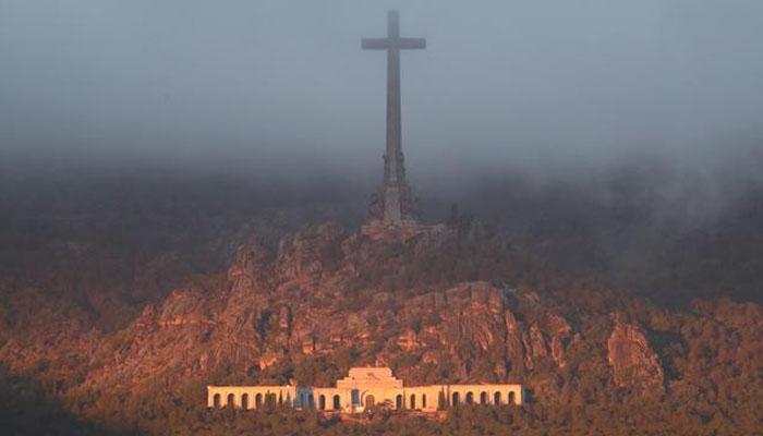 اسپین : ہزاروں قبریں کھود کر باقیات نکالنے کا فیصلہ