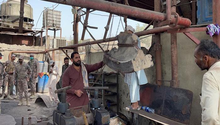 کراچی میں بھاری آہنی آلات سائٹ کی اسٹیل مل میں بوائلر پھٹنے سے گرے: پولیس تحقیقات