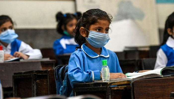 سندھ میں آٹھویں جماعت تک اسکولوں کو 15 دن کے لیے بند کرنے کی تجویز