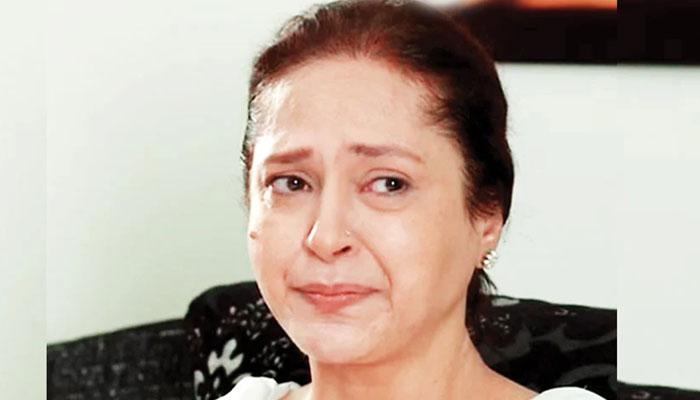 سینئر اداکارہ عصمت زیدی کو طلاق کیوں ہوئی؟