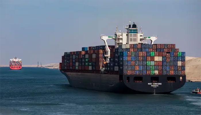 نہر سوئز میں پھنسے جہاز کو نکالنے کے بعد بحری راستے بحال