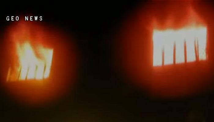 گوجرانوالہ، پلاسٹک کاسامان بنانےوالی فیکٹری میں لگی آگ بے قابو
