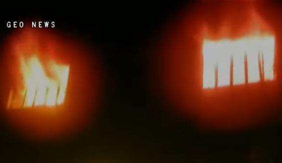 گوجرانوالہ، فیکٹری میں لگی آگ بے قابو