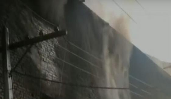 گوجرانوالہ: فیکٹری میں لگی آگ پر 12 گھنٹے بعد قابو