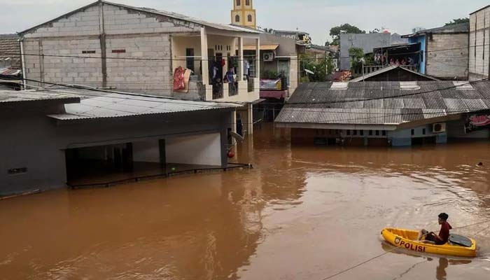 انڈونیشیا : طوفانی بارشوں نے تباہی مچادی ، 75 سے زائد افراد ہلاک