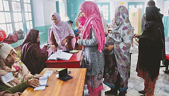 ڈسکہ الیکشن : حکومت کا ووٹر کا تحفظ یقینی بنانے کا اعلان