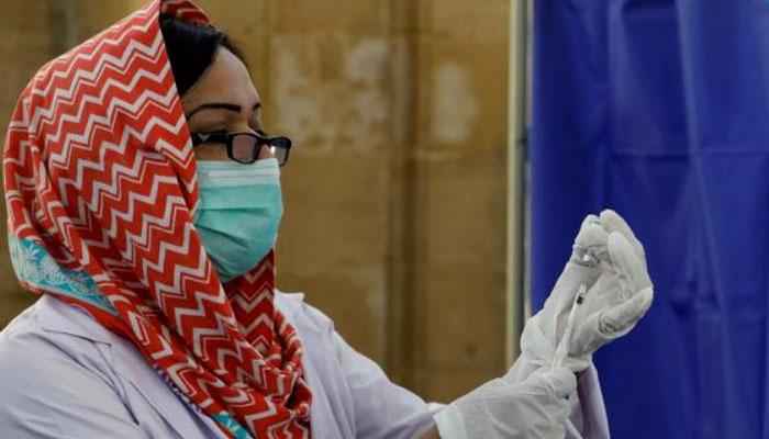 غیرملکی ہیلتھ کئیر ورکرز کی کورونا ویکسی نیشن کا آغاز