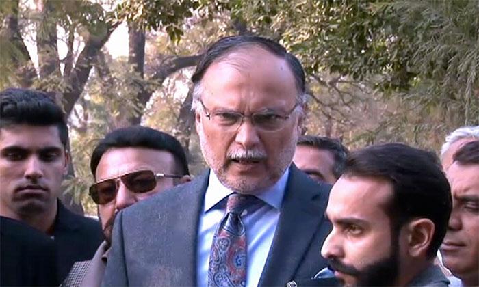 وزیراعظم نے تسلیم کیا پنجاب کے پی سے آگے تھا،احسن اقبال