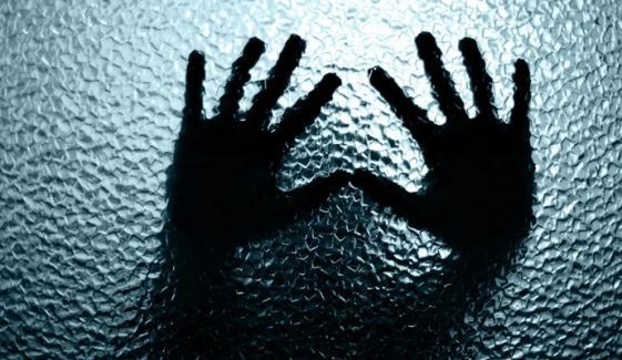 سکھر: بھیک مانگنے والی 10 سالہ بچی سے زیادتی
