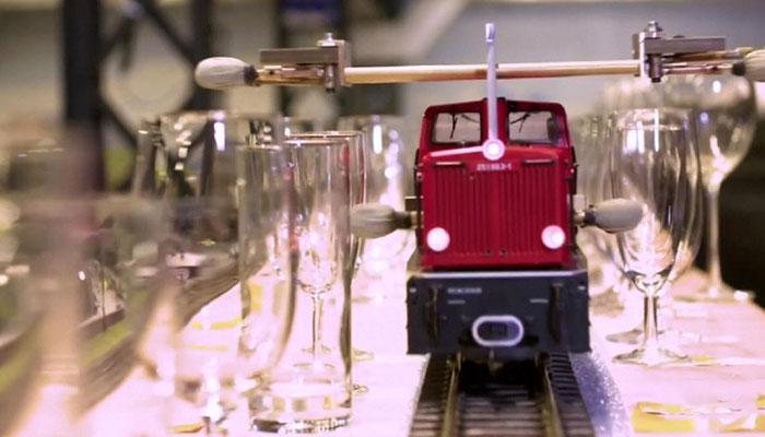 جرمنی ؛منی ایچر میوزیم نے سُر بکھیرنے والی ماڈل ٹرین بنالی