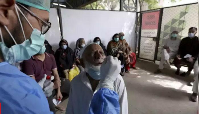 پاکستان: کورونا وائرس کیسز کی شرح 10.69 فیصد ہو گئی