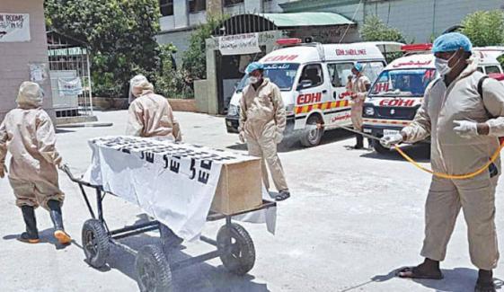 سندھ:اپریل کے پہلے 7 روز میں 18 سو افراد کورونا میں مبتلا، 18 جاں بحق