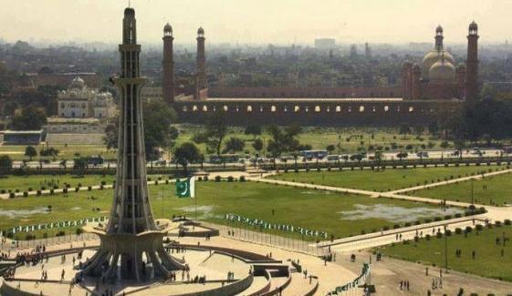 لاہور: کورونا ایس او پیز کی خلاف ورزی پر تھیٹرز سیل