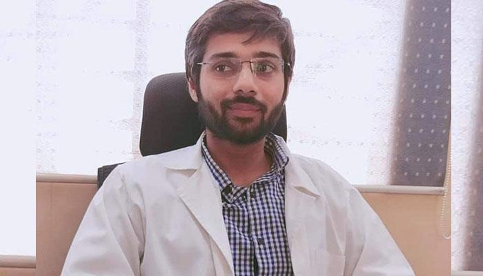 عالمی امتحان میں پہلی پوزیشن حاصل کرنے والا پاکستانی سرجن