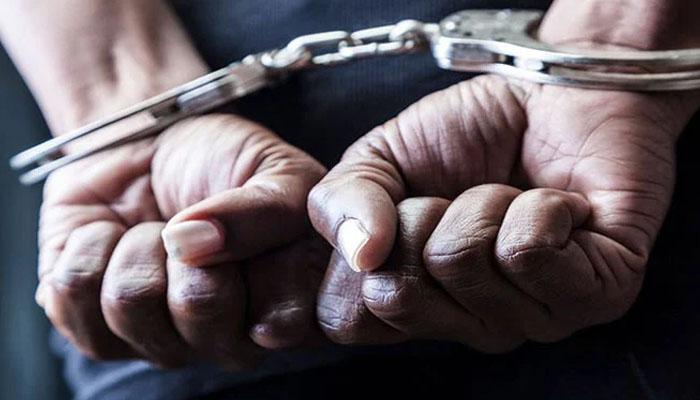 کراچی شادمان ٹاؤن  خودکشی کیس: وقاص سمیت 3 ملزمان عدالت میں پیش