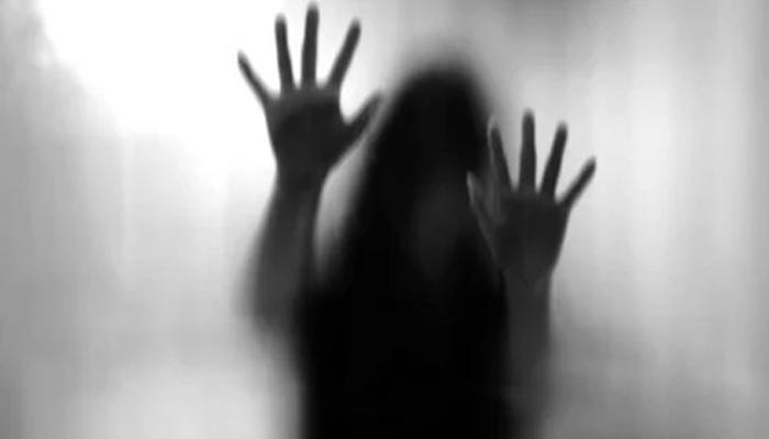 14 سالہ لڑکی سے زیادتی کا مقدمہ دو بار تھا نے جانے پر بھی درج نہیں ہوا، پڑوسی