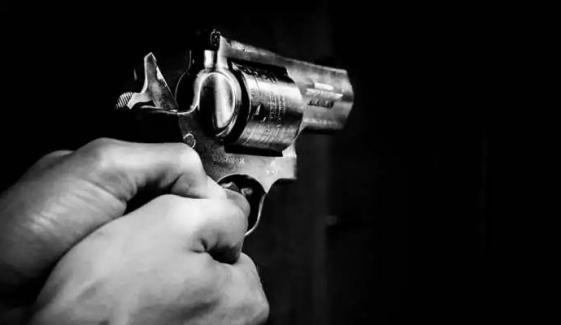 تھانہ صدر ڈسکہ کے علاقے مندرانوالہ میں فائرنگ