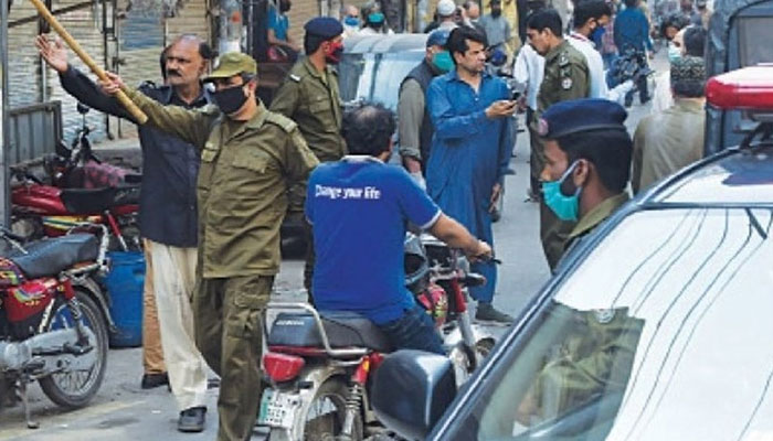لاہور، کورونا ایس او پیز کی خلاف ورزی پر تھیٹر سیل