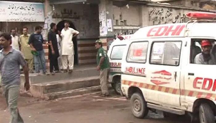 کراچی: جاں بحق 3 بچوں کے والد کی پولیس مدد سے ماں سے ملاقات