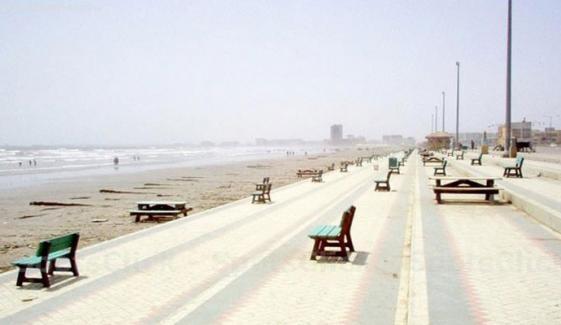 کراچی میں سمندری ہوائیں بحال