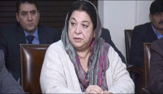 لاہور: ٹریفک بلاک ہونے سے اسپتالوں کو آکسیجن سلینڈرز کی سپلائی میں دشواری ہے، یاسمین راشد