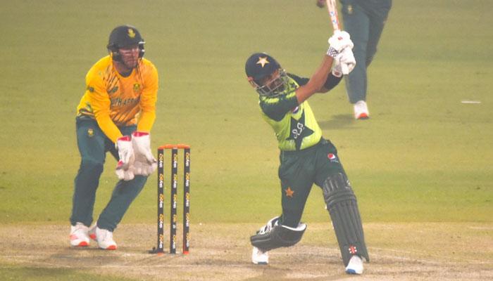 پاکستان، جنوبی افریقہ کے درمیان تیسرا T20 کل، فخر کی واپسی کا امکان