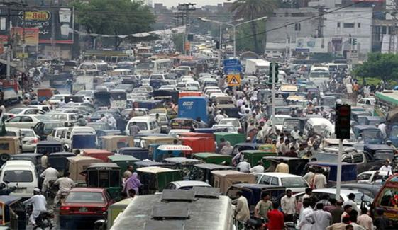لاہور: احتجاج کے باعث 16مقامات پر ٹریفک معطل