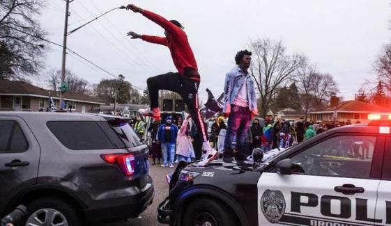 امریکا: سیاہ فام شہری کی ہلاکت کیخلاف احتجاج، 60 سے زائد مظاہرین گرفتار
