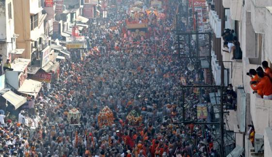 بھارت: کمبھ میلے میں کورونا ایس او پیز کی خلاف ورزی، ایک ہزار یاتری کورونا میں مبتلا