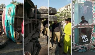 کراچی: گلشن میں بس الٹ گئی